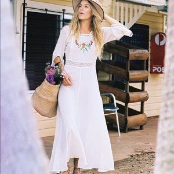 SOLD 💔Chasing Unicorns Amelia Embroidered Maxi S
